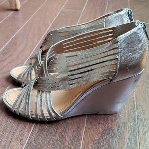 Seychelles metallic open toe wedge size 10